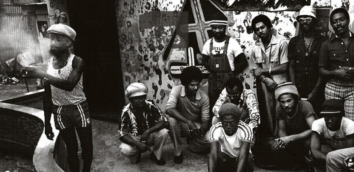 Lee Perry, The Congos & Junior Murvin vor dem Black Ark StudioDVDTIPP