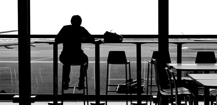 anonym-interwiev-sad-traurig-airport-silhouette-mann-free_cricava
