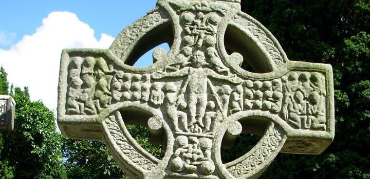 irland-kirche-kreuz-friedhof-keltisch-kelten