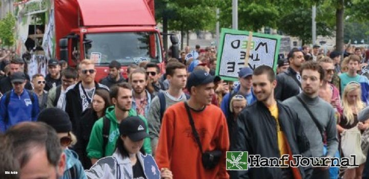 demo-cannabispatienten-titel216